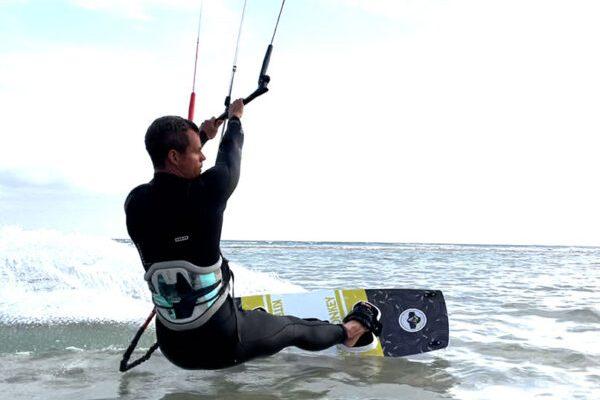 Betreutes Kiten Fehmarn Duotone Kitesurfen lernen Kiteboarding